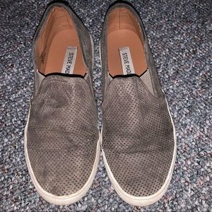 👟 Steve Madden Grey Slip On Sneakers | Size 6.5